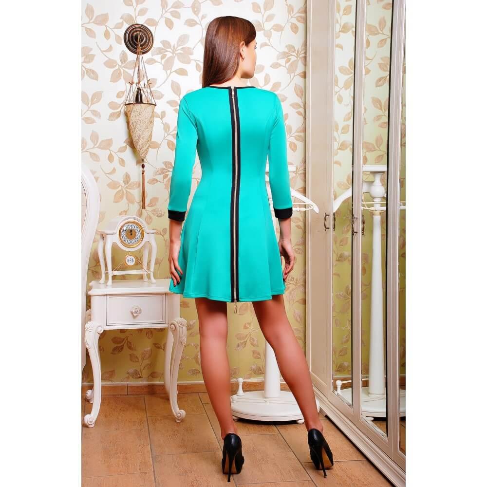 платье с вертикальной молнией сзади