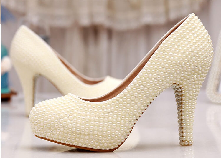 атласная женская обувь