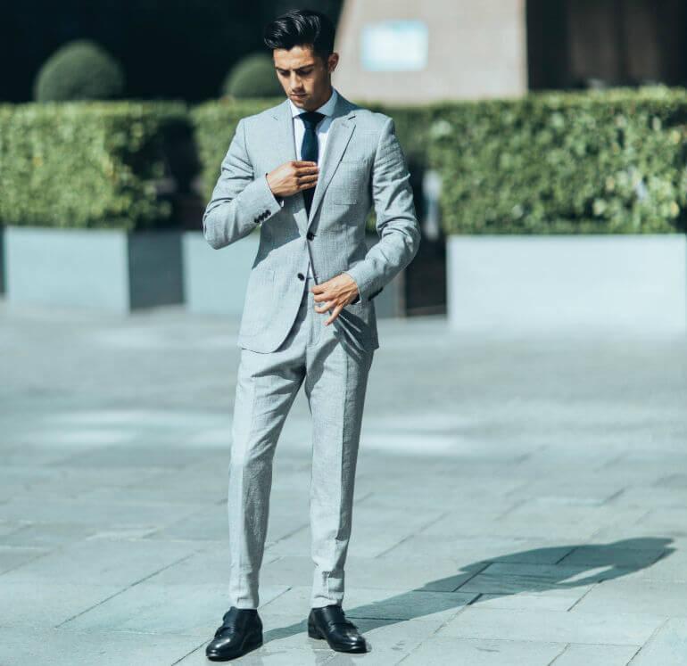 серый костюм мужской 3